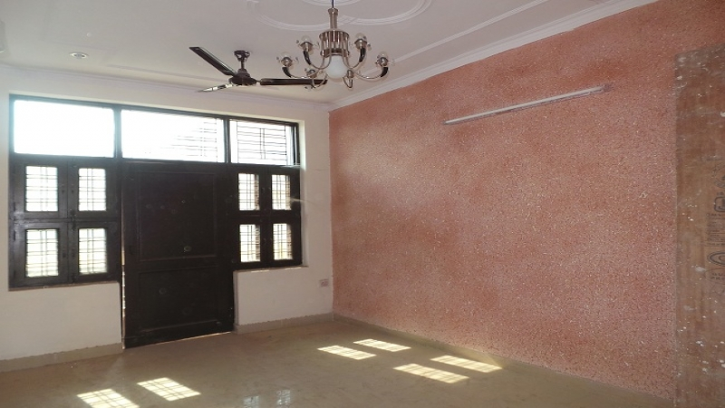 2 BHK Floor for Sale in Sector-25 Noida - Living Room