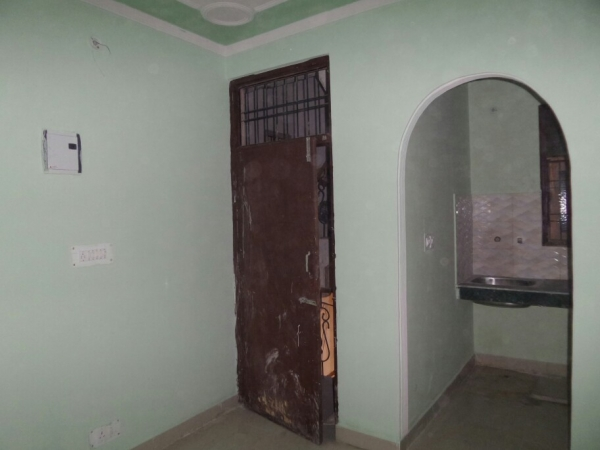 2 BHK Floor for Sale in Surya Vihar Part 2 Faridabad - Living Room