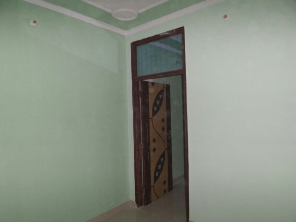2 BHK Floor for Rent in Surya Vihar Part 2 Faridabad - Living Room