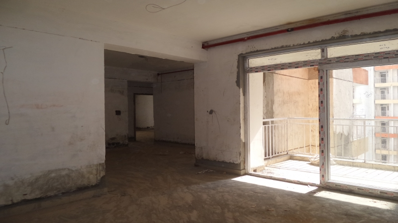 2 BHK Floor for Sale in Arsh Complex - Living Room