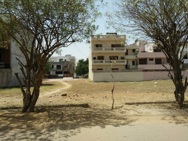 Residential Plot for Sale in DLF City Phase 3 Gurgaon - Exterior View