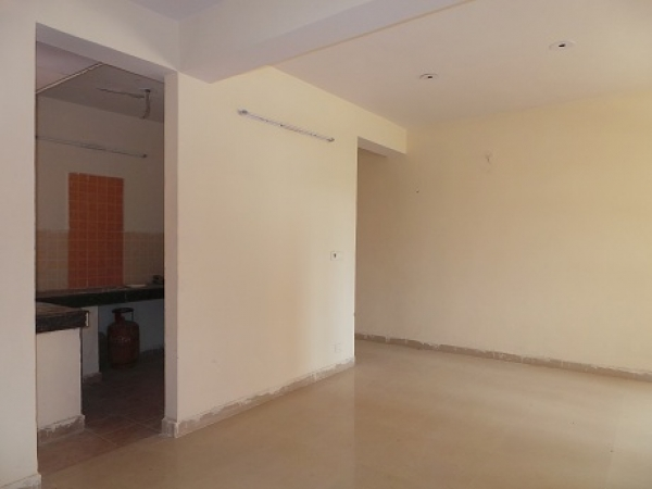 2 BHK Floor for Sale in Sector 29 Faridabad - Living Room