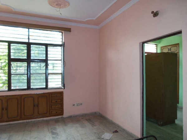 1 BHK Floor for Sale in Gagan Vihar CHS - Living Room