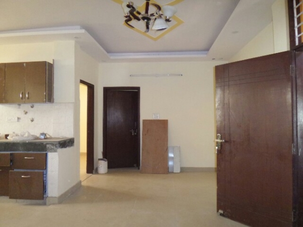 3 BHK Floor for Sale in Greenfield Colony Faridabad - Living Room