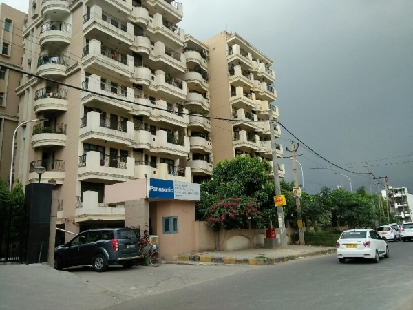 3 BHK Apartment for Rent in Galaxy Apartment - Exterior View