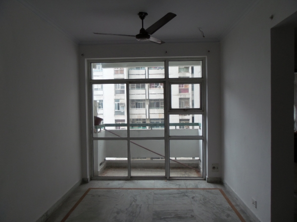 3 BHK Floor for Rent in Ardee City - Living Room
