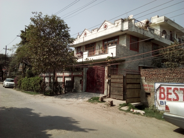 3 BHK House for Rent in RWA Sector 26 - Exterior View