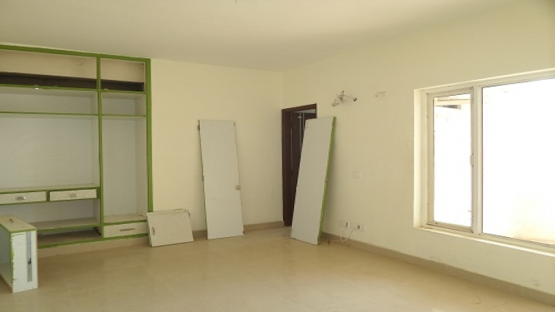 2 BHK Floor for Sale in Antriksh Swarn Apartments - Living Room