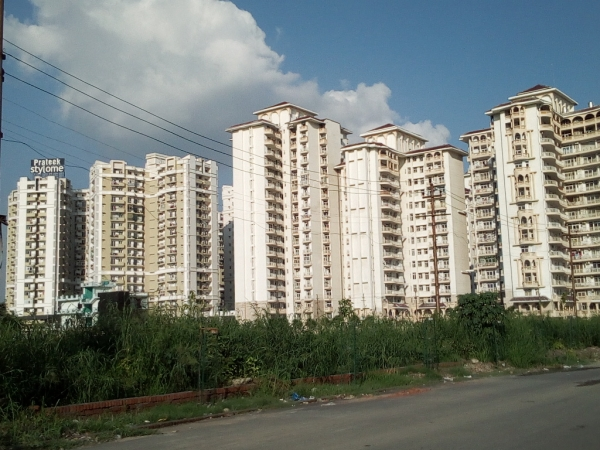 2 BHK Apartment for Rent in Prateek Stylome - Exterior View