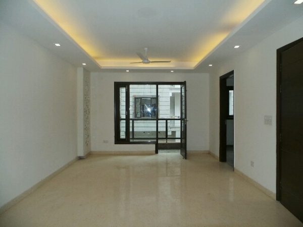 4 BHK Floor for Rent in Ashoka Enclave Part 3 Faridabad - Living Room
