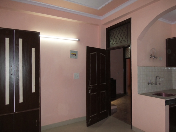 1 BHK Apartment for Rent in Vasundhara Apartment - Living Room