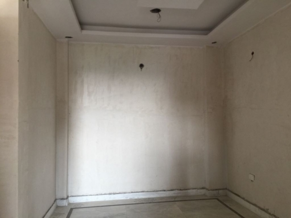 2 BHK Floor for Sale in Greenfield Colony Faridabad - Living Room
