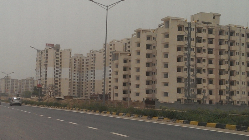 2 BHK Apartment for Rent in SRS Royal Hills - Exterior View