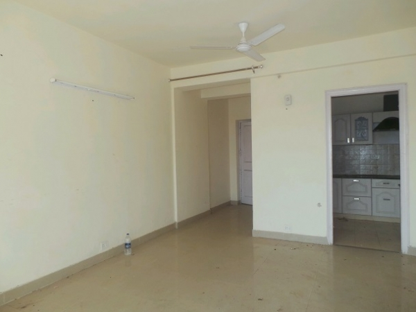 2 BHK Apartment for Rent in BPTP Park Grandeura - Living Room