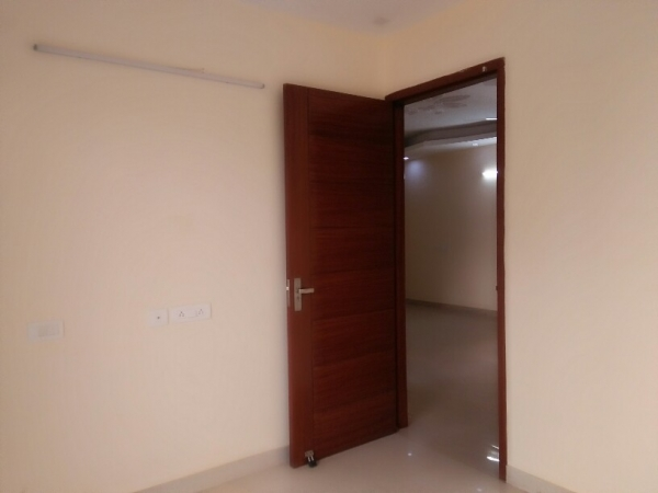 1 BHK Floor for Rent in Ansal Sushant Lok 2 - Living Room