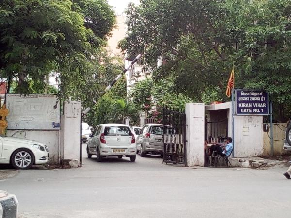 2 BHK Apartment for Rent in Kiran Vihar New Delhi - Exterior View