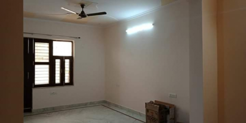 3 BHK Apartment for Rent in Rail Vihar - Living Room