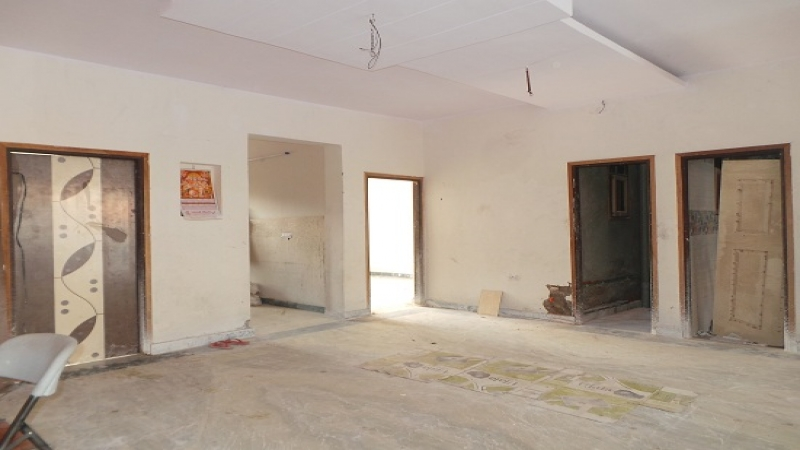 3 BHK Apartment for Sale in RWA Sector 26 - Living Room