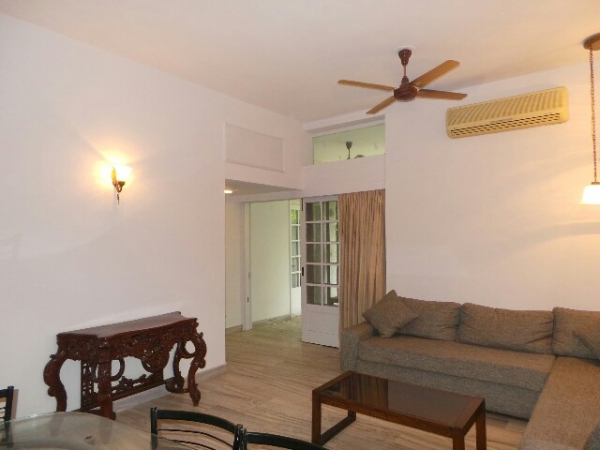 2 BHK Floor for Rent in Sector 21D Faridabad - Living Room