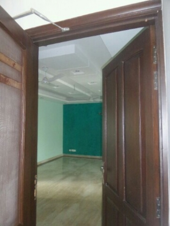 2 BHK Floor for Sale in Suncity Township - Living Room