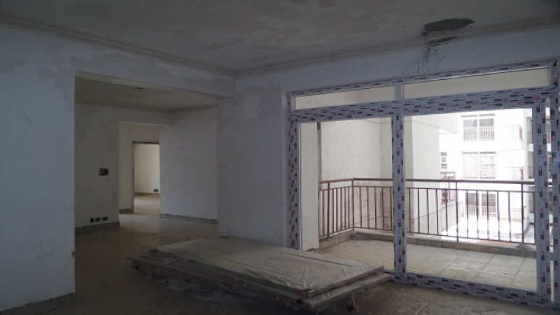 2 BHK Apartment for Rent in Parsvnath Edens - Living Room