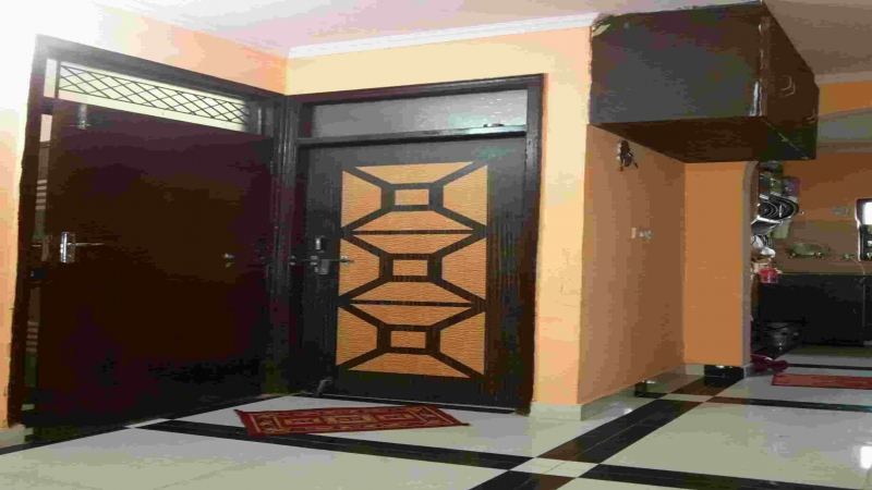 2 BHK Floor for Rent in Dwarka Mor New Delhi - Living Room