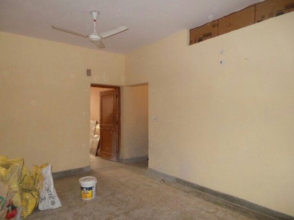 2 BHK Floor for Sale in Ashoka Enclave Faridabad - Living Room