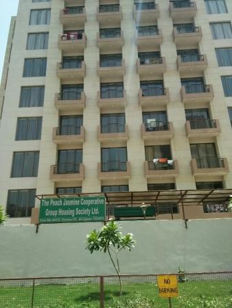 3 BHK Apartment for Rent in Peach Jasmine Apartments - Exterior View