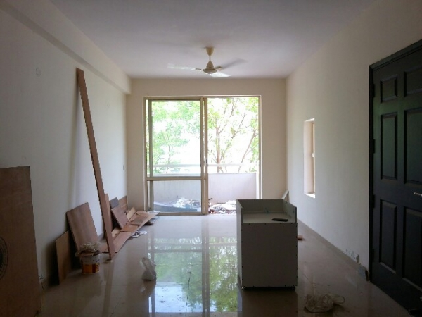 3 BHK Apartment for Rent in Shiv Shakti Apartments - Living Room