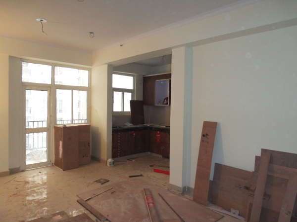 2 BHK Apartment for Sale in Amrapali Silicon City - Living Room