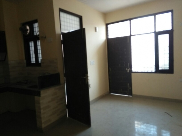 1 BHK Apartment for Rent in Ansal API Valley View Estate - Living Room