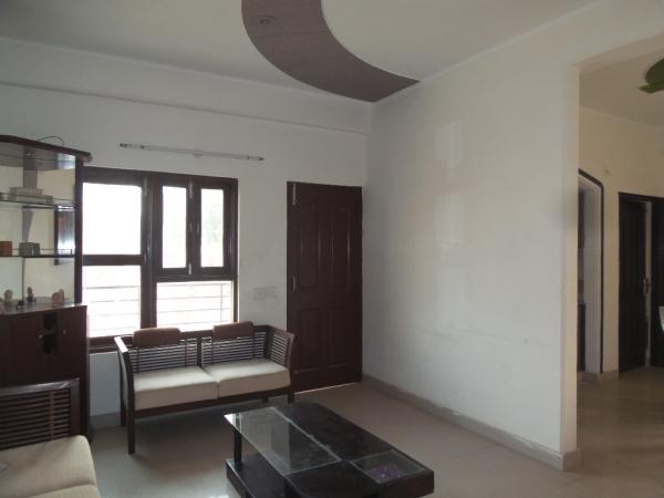 2 BHK Floor for Sale in Sector 121 Noida - Living Room