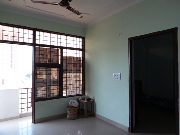 2 BHK Apartment for Sale in Mahagun Moderne - Living Room