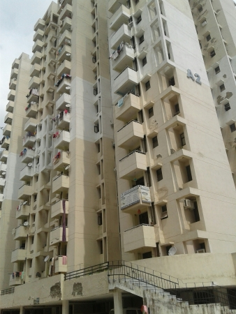 SRS Royal Hills, Sector 87, Faridabad - Building