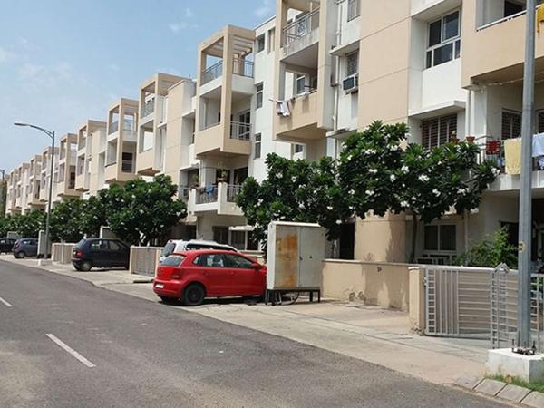 Park Elite Floor, Sector 85, Faridabad - Building