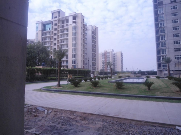 Omaxe Spa Village, Sector 78, Faridabad - Building
