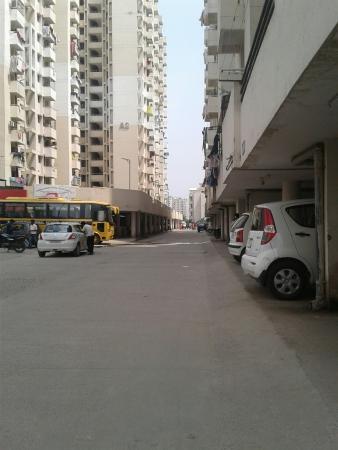 SRS Royal Hills Sector 87 Faridabad