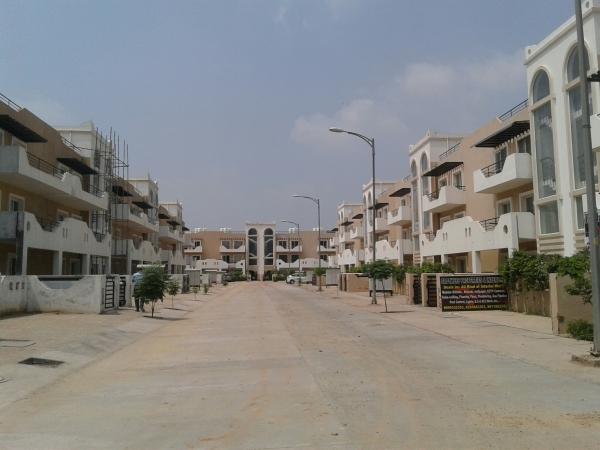 BPTP Park 81, Sector 81, Faridabad - Building