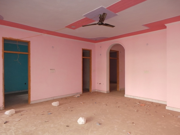 3 BHK Floor for Rent in Sector 15 Faridabad - Living Room