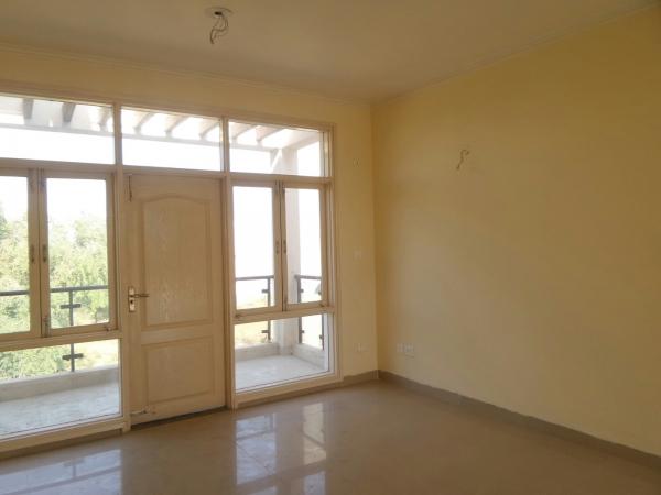 2 BHK Apartment for Rent in Rail Vihar - Living Room