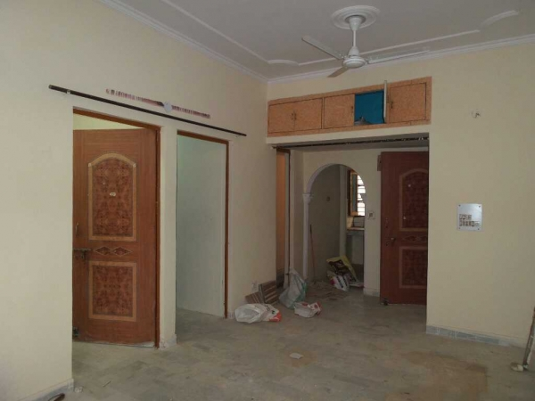 1 BHK Apartment for Sale in RWA Dilshad Colony Block A - Living Room