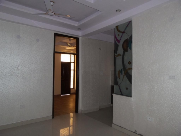 2 BHK Apartment for Rent in Assotech VSNL Officers Apartment - Living Room