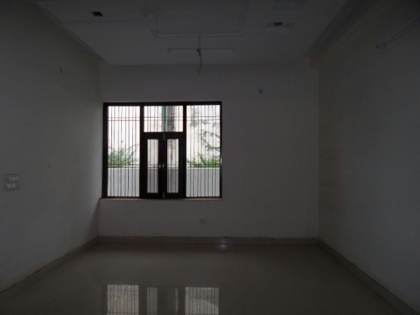 3 BHK Floor for Sale in Sector 31 Faridabad - Living Room