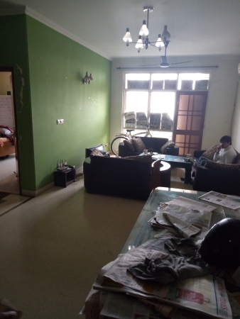 3 BHK Apartment for Rent in New Sathi Apartments - Living Room