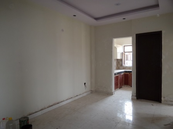 3 BHK Floor for Sale in Sector 85 Faridabad - Living Room