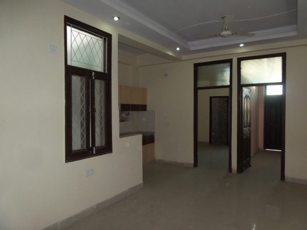 2 BHK Apartment for Rent in Amrapali Sapphire - Living Room