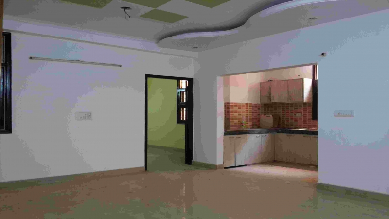 3 BHK Floor for Sale in Mahavir Enclave New Delhi - Living Room
