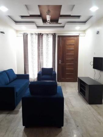 2 BHK Floor for Rent in Ansal Sushant Lok 2 - Living Room