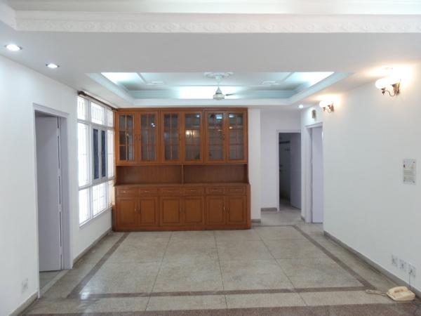 3 BHK Floor for Rent in Sushant Lok Phase - 2 Gurgaon - Living Room