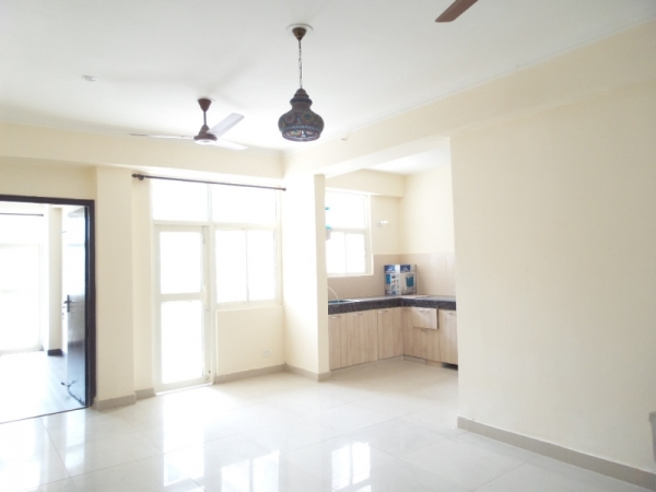 2 BHK Apartment for Rent in Aashirwad Apartment - Living Room
